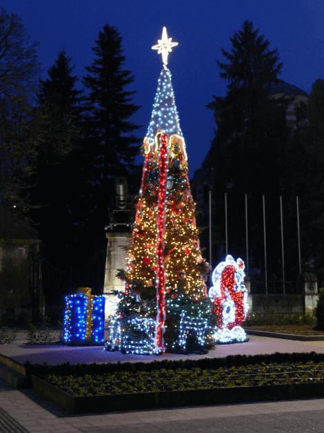 осветление за новогодишна елха Плевен
